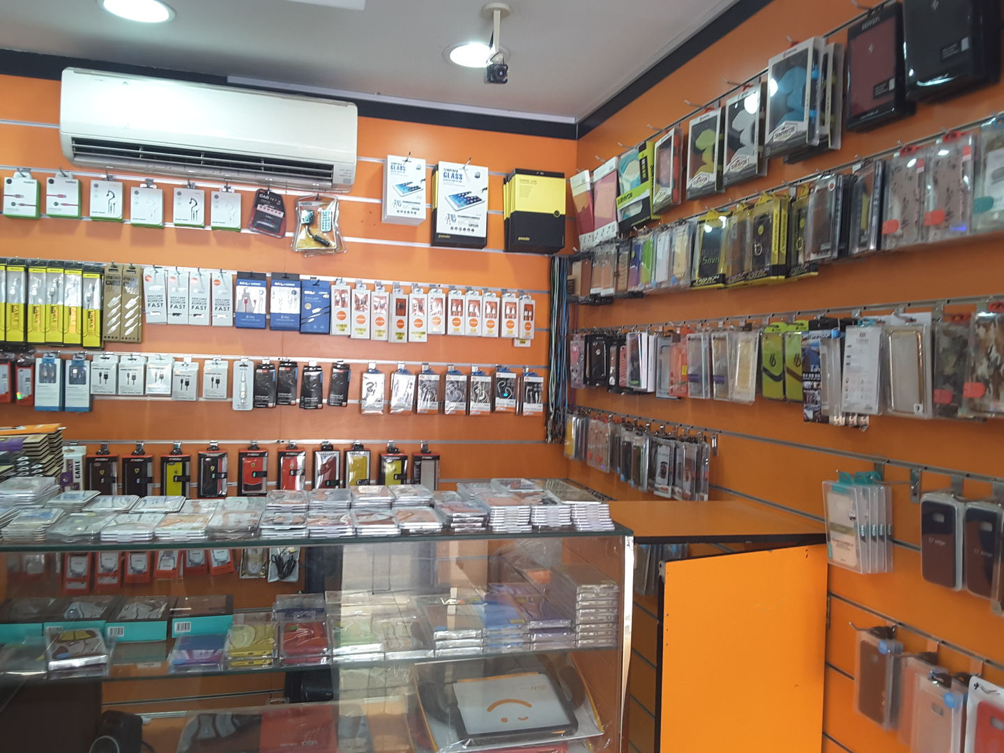 HiDubai-business-yasmin-mobile-phones-shopping-consumer-electronics-al-rashidiya-dubai-2