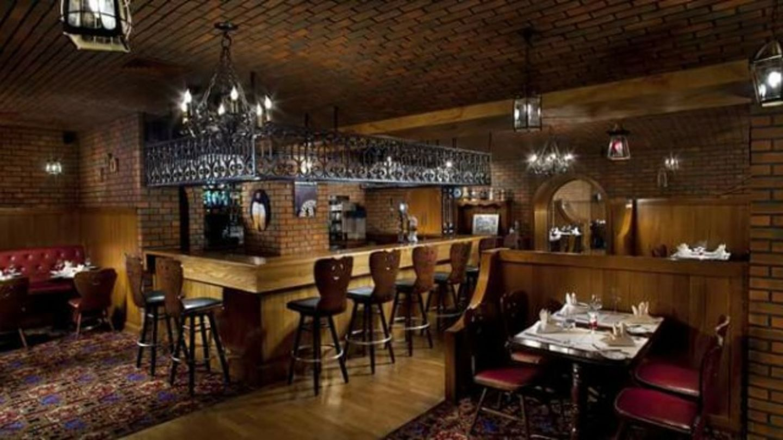 HiDubai-business-der-keller-food-beverage-restaurants-bars-umm-suqeim-3-dubai