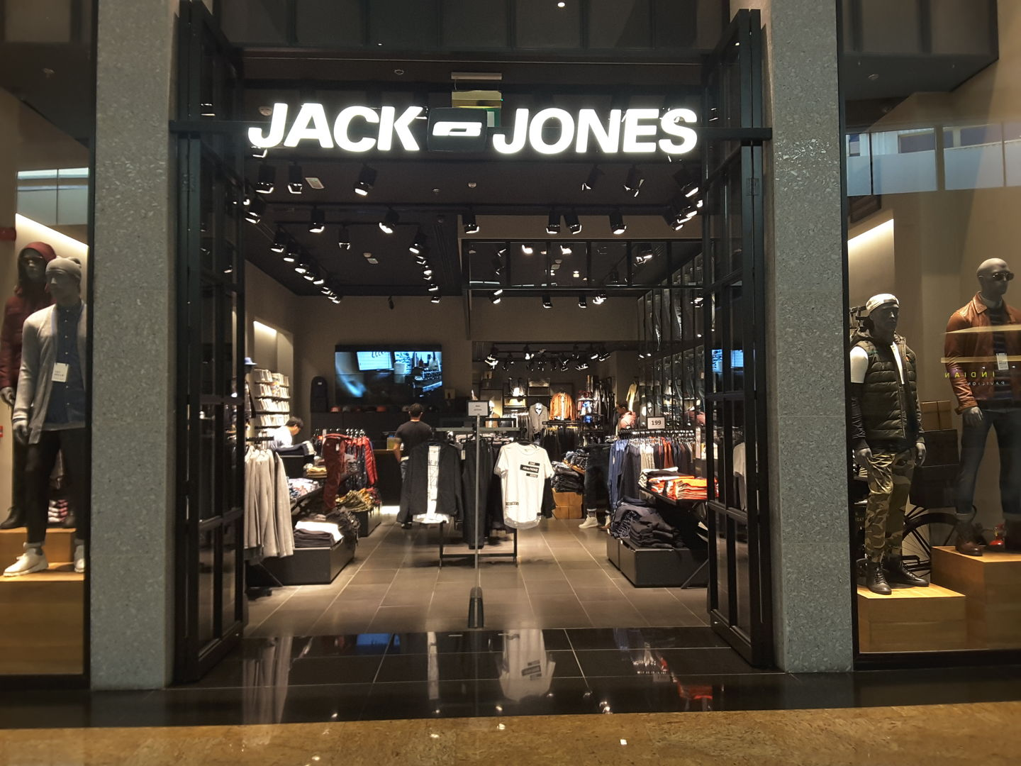 HiDubai-business-jack-and-jones-shopping-apparel-al-barsha-1-dubai-2