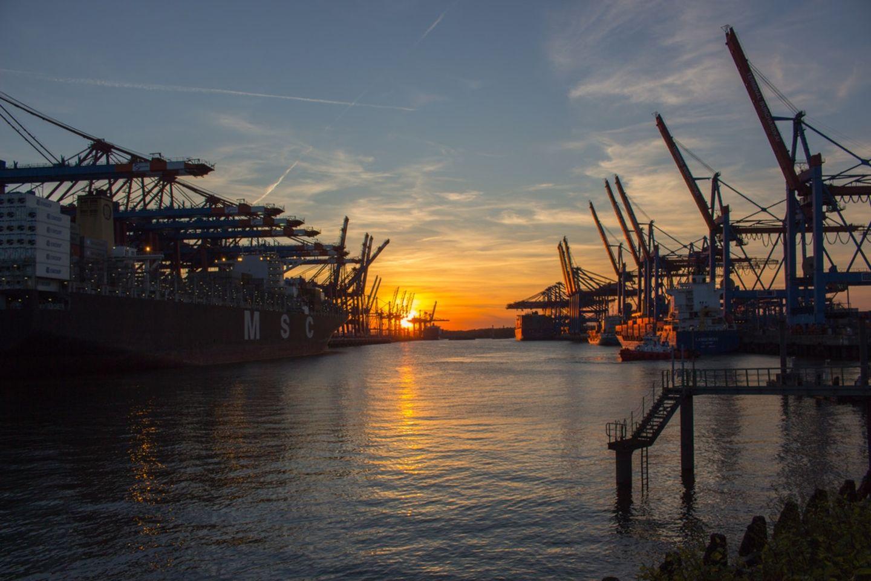HiDubai-business-astro-offshore-shipping-logistics-sea-cargo-services-jumeirah-lake-towers-al-thanyah-5-dubai-2