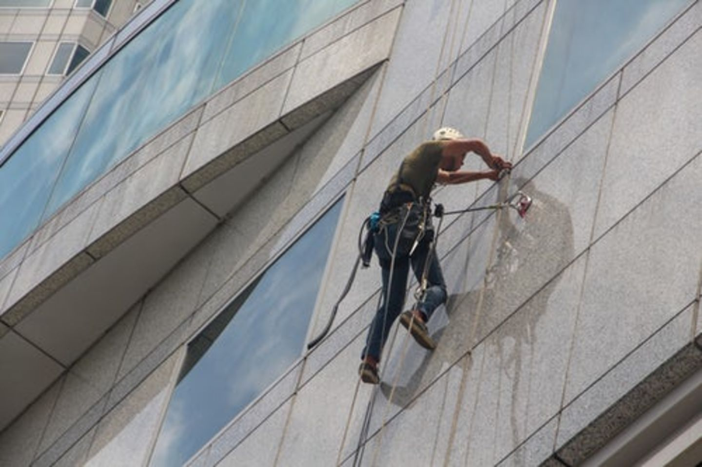 HiDubai-business-skl-building-cleaning-and-technical-services-home-cleaning-services-al-garhoud-dubai