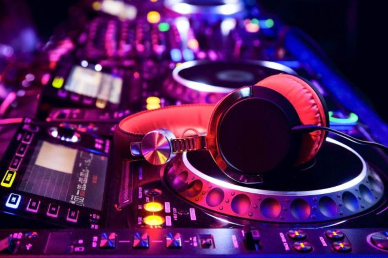 HiDubai-business-maestro-team-parties-entertainments-services-leisure-culture-events-festivals-al-wasl-dubai