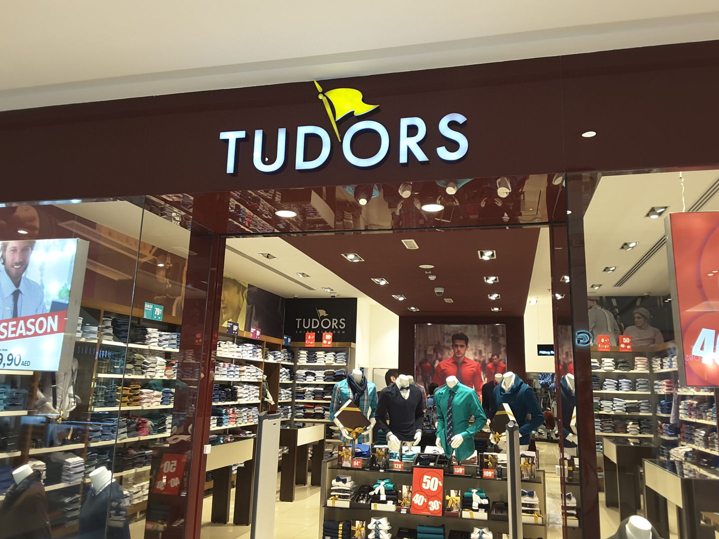 HiDubai-business-tudors-shopping-apparel-al-shindagha-dubai-2