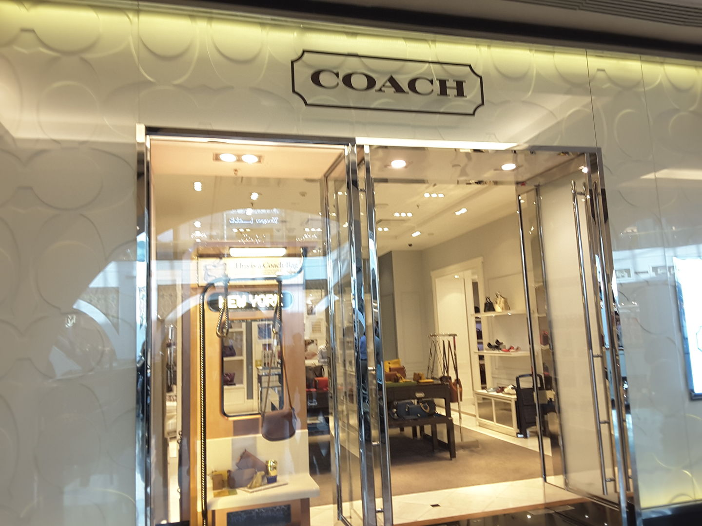 HiDubai-business-coach-shopping-fashion-accessories-al-barsha-1-dubai-2
