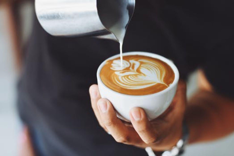 HiDubai-business-m-a-q-coffee-shop-food-beverage-cafeterias-meena-bazar-al-souq-al-kabeer-dubai