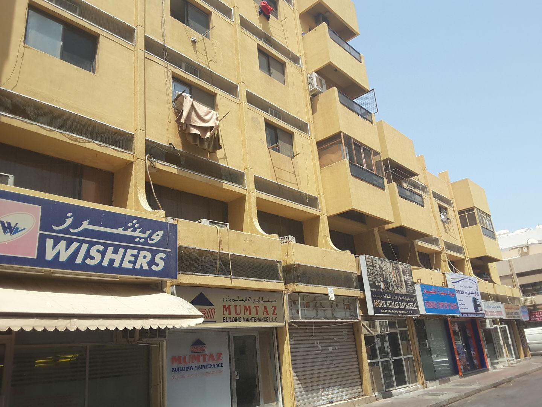 HiDubai-business-zakhar-laundry-home-laundry-meena-bazar-al-souq-al-kabeer-dubai-2