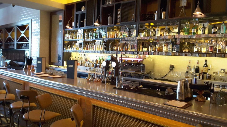 HiDubai-business-bread-street-kitchen-and-bar-gordon-ramsay-food-beverage-restaurants-bars-the-palm-jumeirah-nakhlat-jumeirah-dubai-2