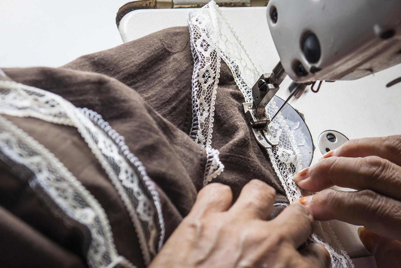 HiDubai-business-maryam-hassan-tailoring-embroidery-home-tailoring-naif-dubai-2