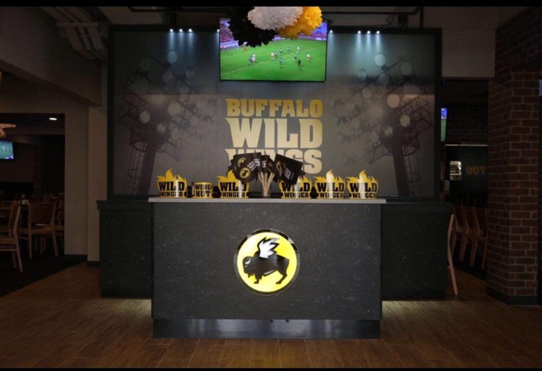 HiDubai-business-buffalo-wild-wings-restaurant-food-beverage-restaurants-bars-umm-suqeim-1-dubai-2