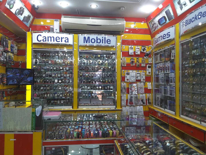 HiDubai-business-green-gate-electronics-shopping-consumer-electronics-al-fahidi-al-souq-al-kabeer-dubai-2