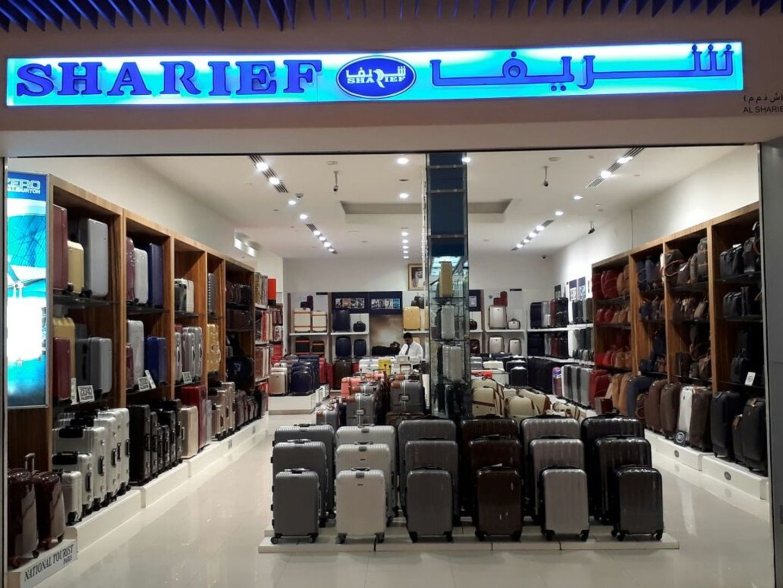 HiDubai-business-shareif-shopping-luggage-travel-accessories-burj-khalifa-dubai-2
