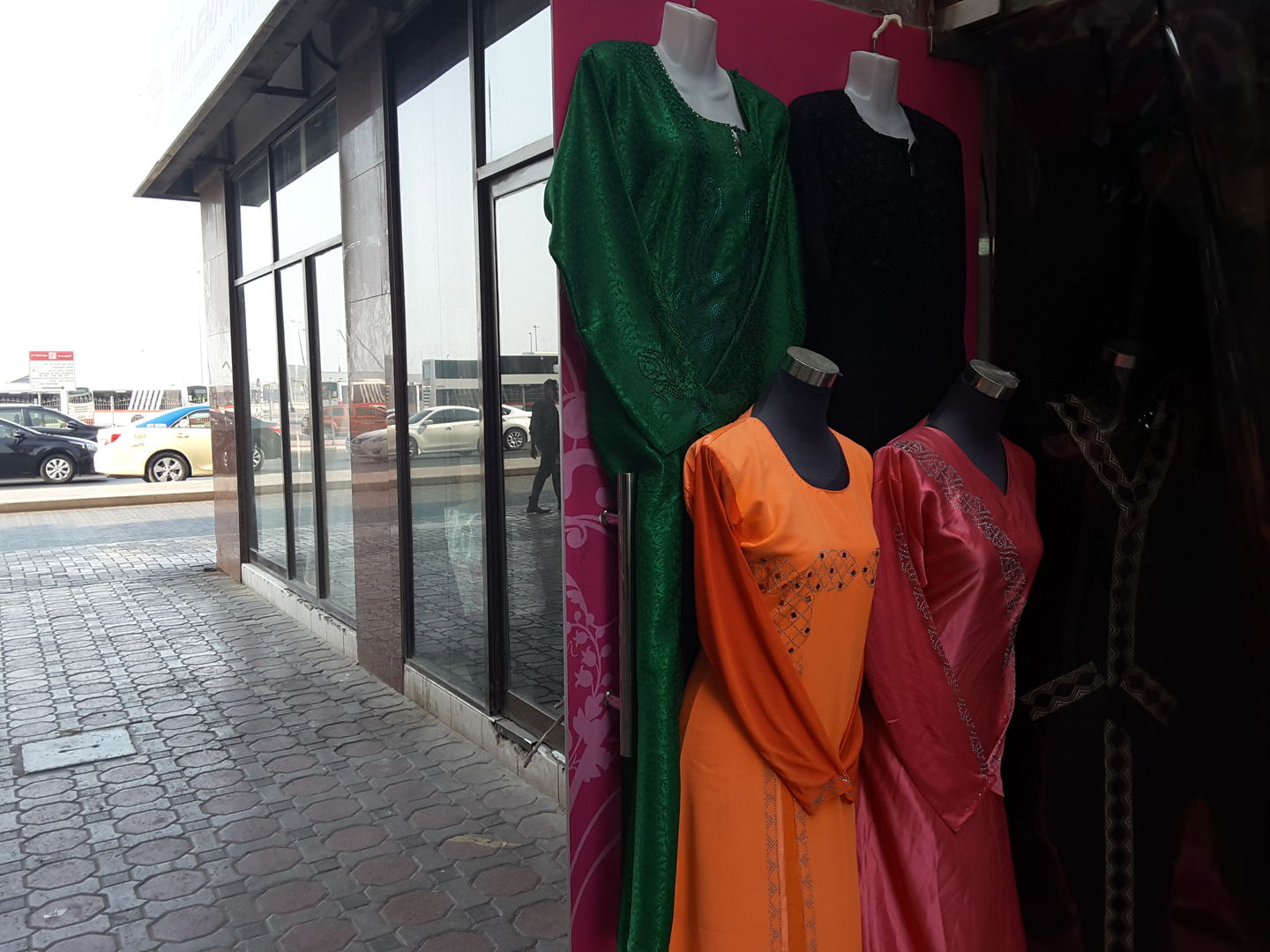 HiDubai-business-bedoor-al-khamsa-tailoring-embroidery-b2b-services-distributors-wholesalers-ayal-nasir-dubai-2