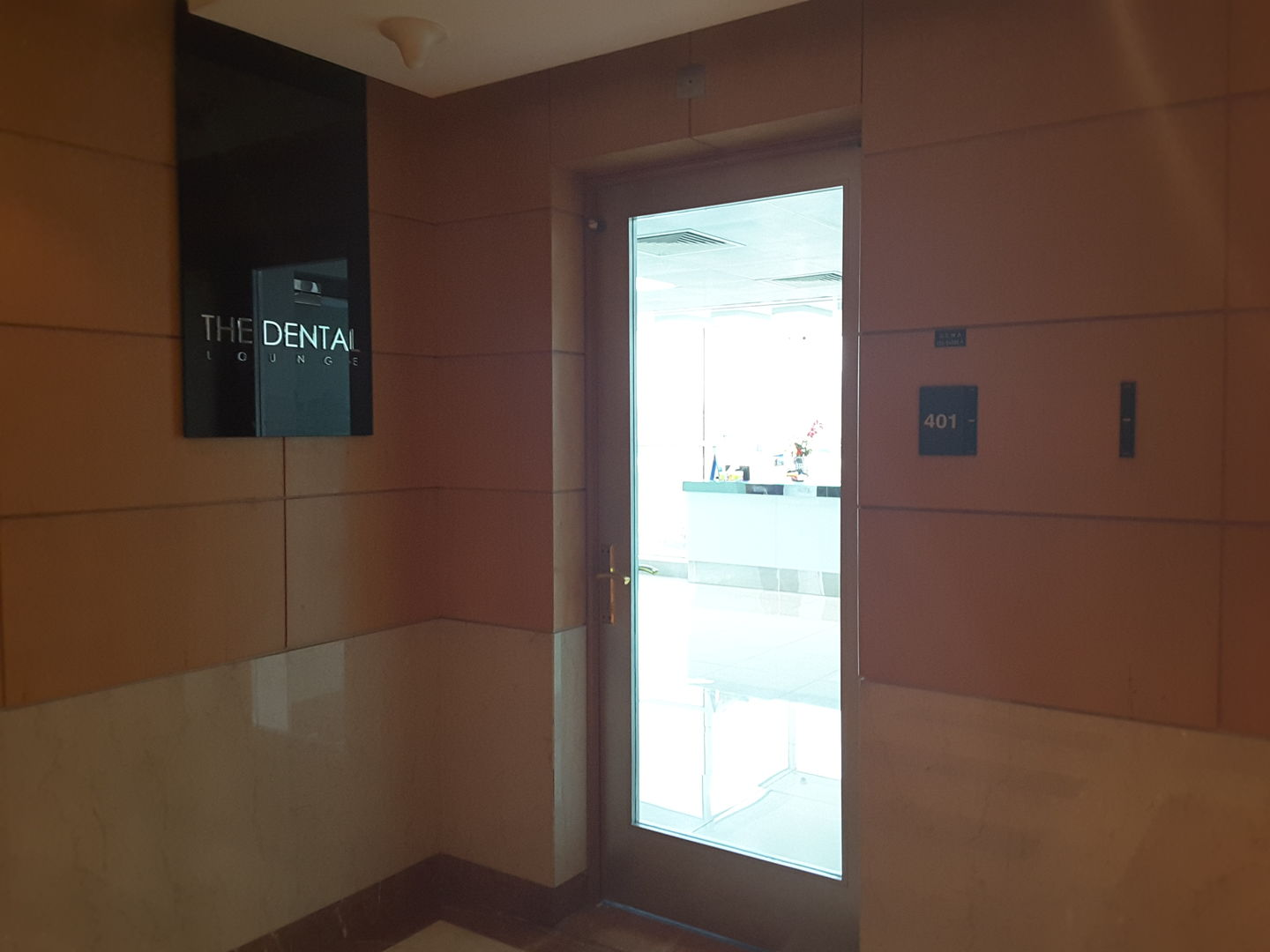 HiDubai-business-the-dental-lounge-beauty-wellness-health-hospitals-clinics-al-muteena-dubai-2