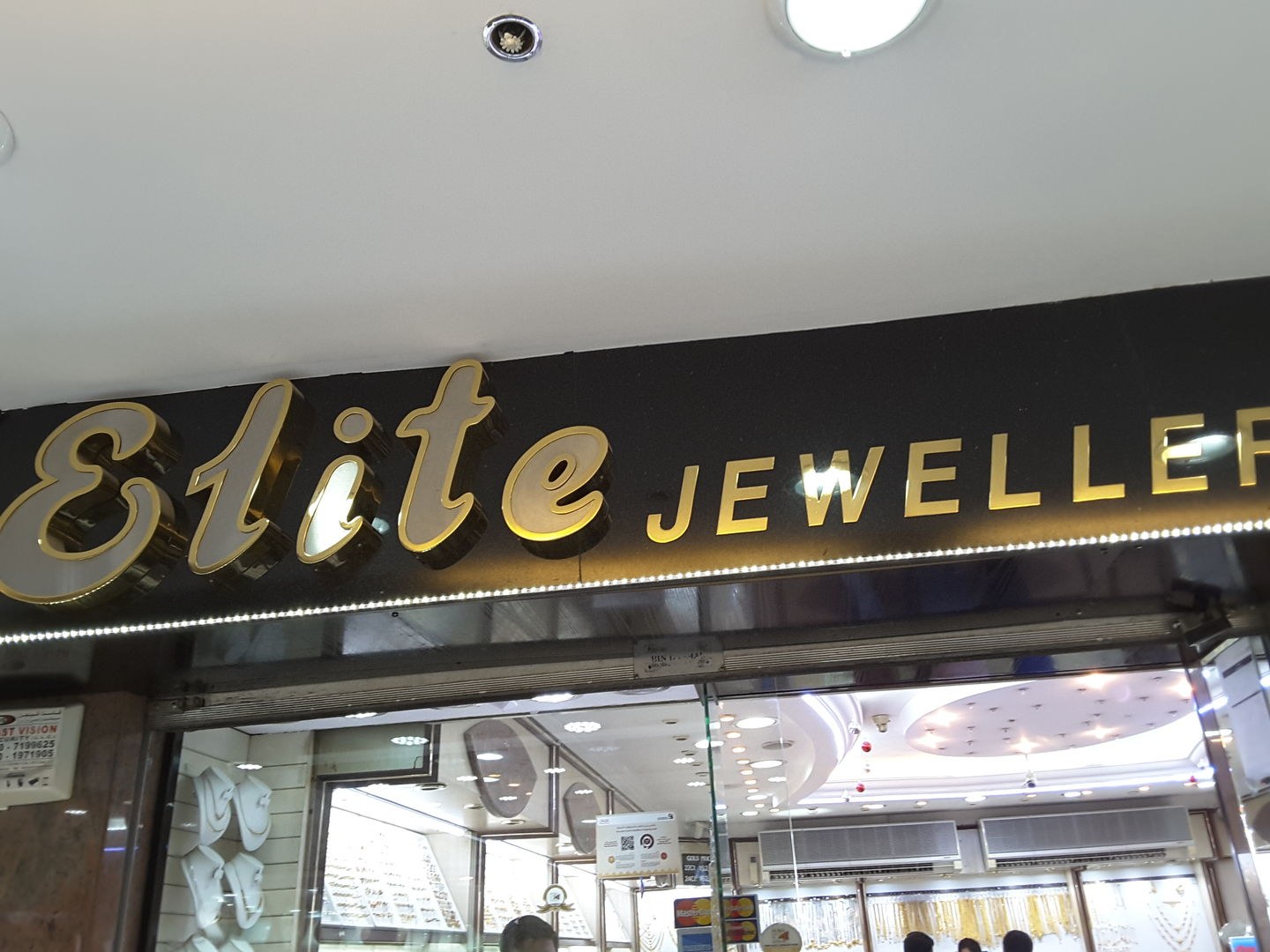 HiDubai-business-elite-jewellers-shopping-jewellery-precious-stones-al-ras-dubai-2