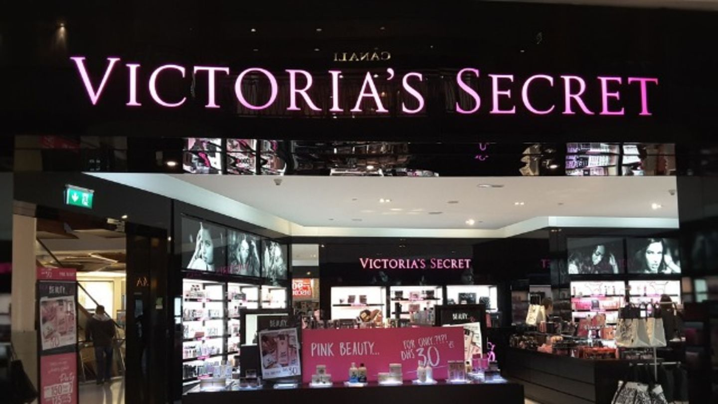 HiDubai-business-victorias-secret-shopping-beauty-cosmetics-stores-mankhool-dubai