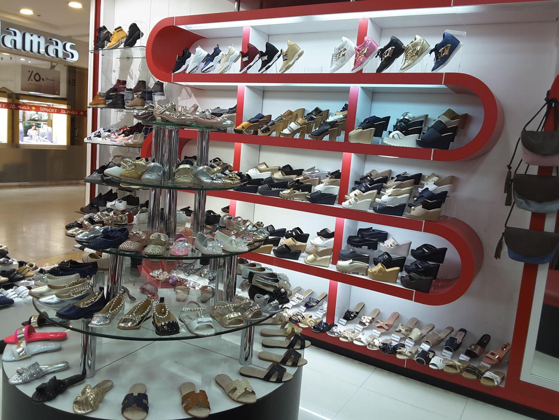 HiDubai-business-dovani-trading-shopping-footwear-al-mamzar-dubai-2