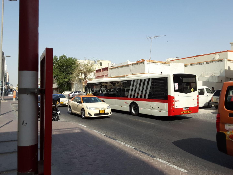 HiDubai-business-hor-al-anz-2-2-bus-stop-transport-vehicle-services-public-transport-hor-al-anz-dubai-2