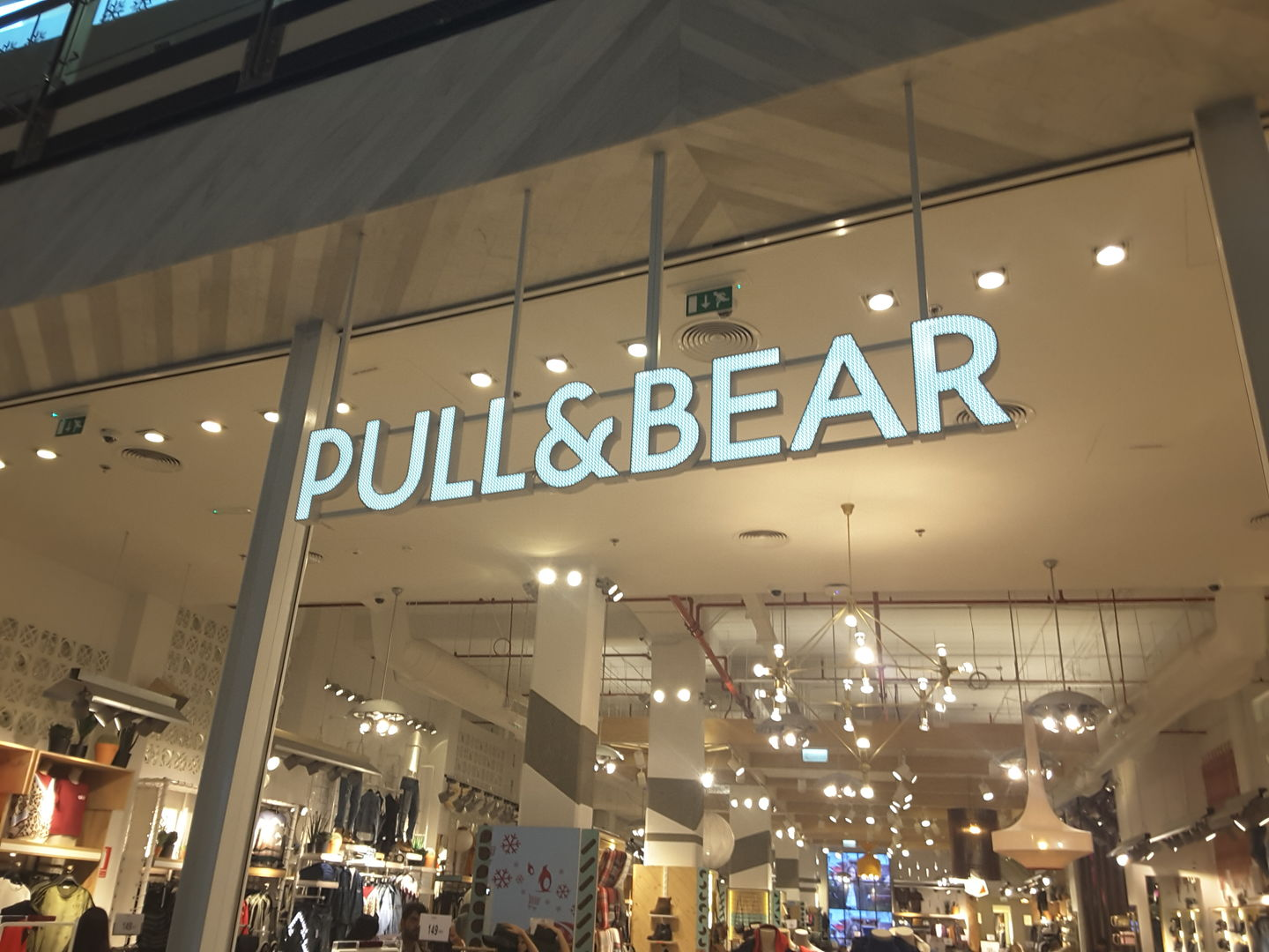 HiDubai-business-pull-and-bear-shopping-apparel-al-barsha-1-dubai-2