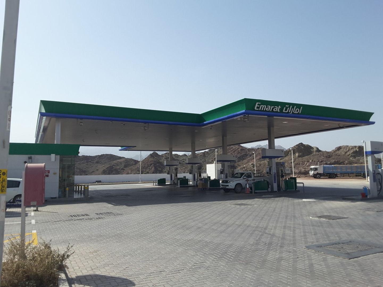 HiDubai-business-emarat-petrol-station-transport-vehicle-services-fuel-stations-car-wash-hatta-dubai