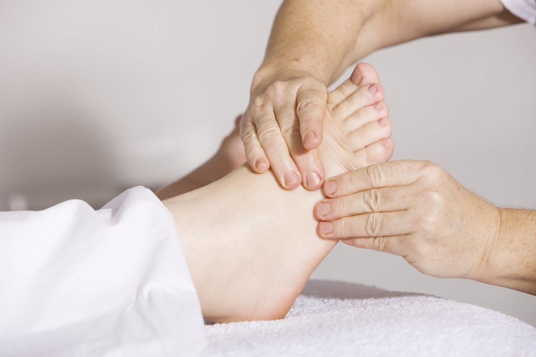 HiDubai-business-meng-massage-center-beauty-wellness-health-wellness-services-spas-oud-metha-dubai