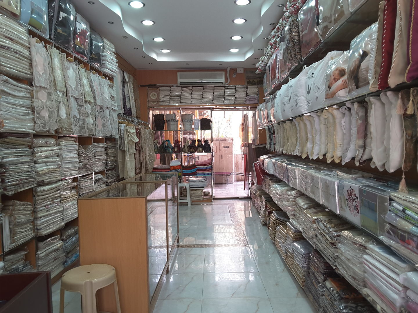 HiDubai-business-masoud-fashion-trading-home-furniture-decor-al-ras-dubai-2