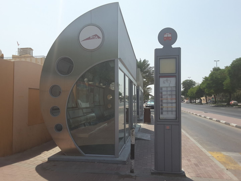 HiDubai-business-hoot-eppco-bus-stop-transport-vehicle-services-public-transport-al-jafiliya-dubai-2