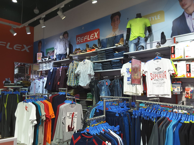 HiDubai-business-reflex-value-concepts-shopping-apparel-meena-bazar-al-souq-al-kabeer-dubai-2