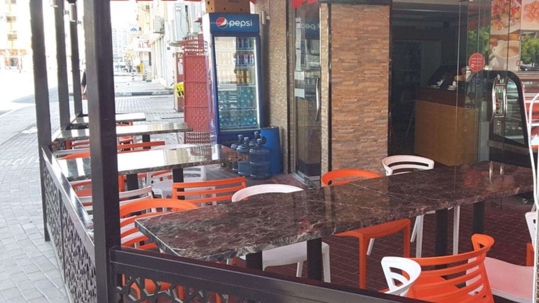 HiDubai-business-kemps-corner-chinaman-restaurant-food-beverage-restaurants-bars-al-karama-dubai-2