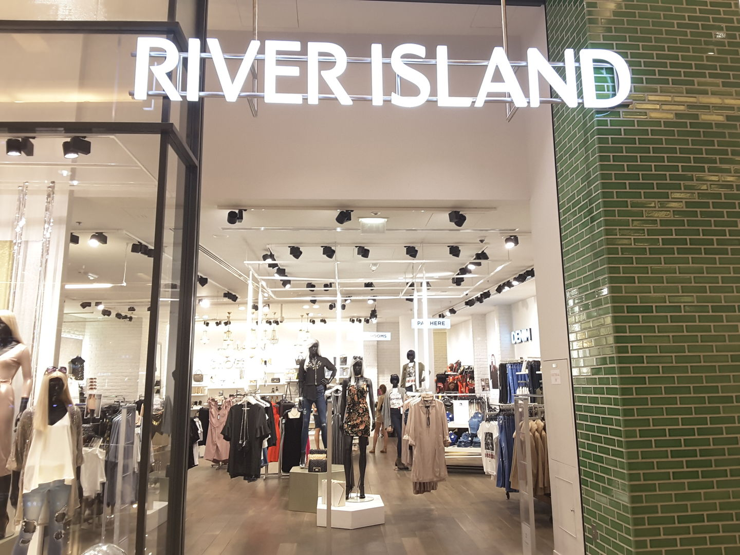 HiDubai-business-river-island-shopping-apparel-dubai-marina-marsa-dubai-dubai-2