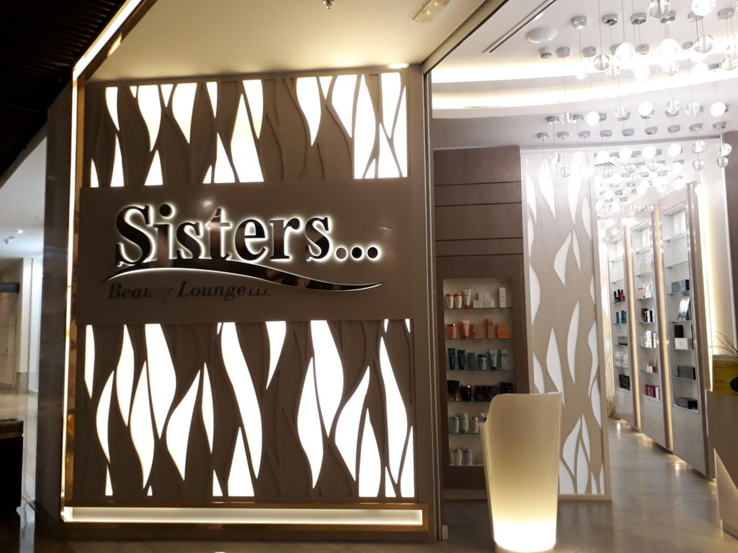 HiDubai-business-sisters-beauty-lounge-beauty-wellness-health-beauty-salons-burj-khalifa-dubai-2
