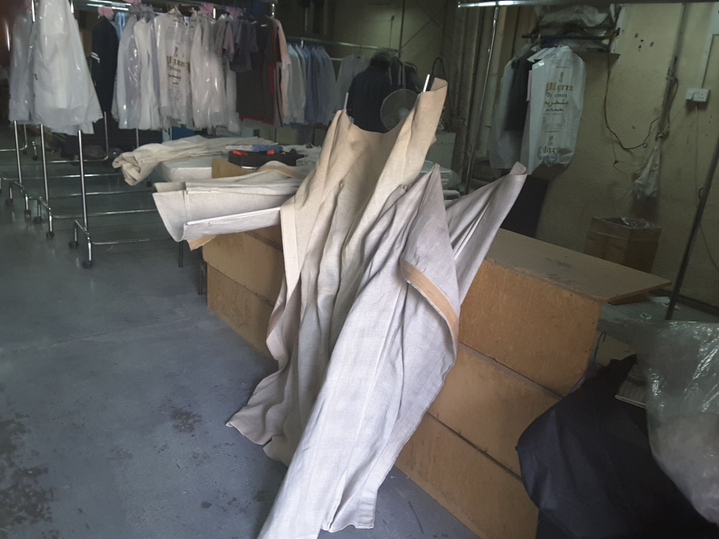 HiDubai-business-pilgrim-dry-cleaning-home-laundry-al-quoz-industrial-1-dubai-2