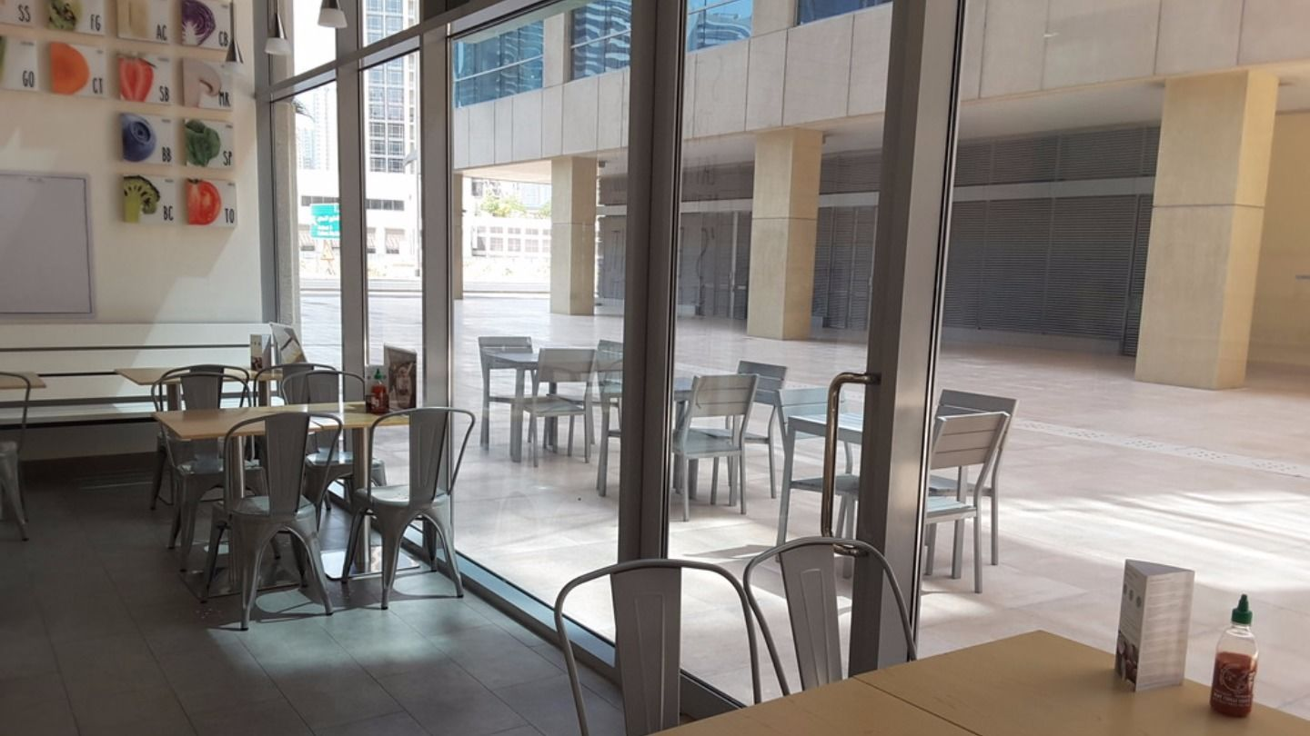HiDubai-business-freshii-food-beverage-restaurants-bars-business-bay-dubai-2