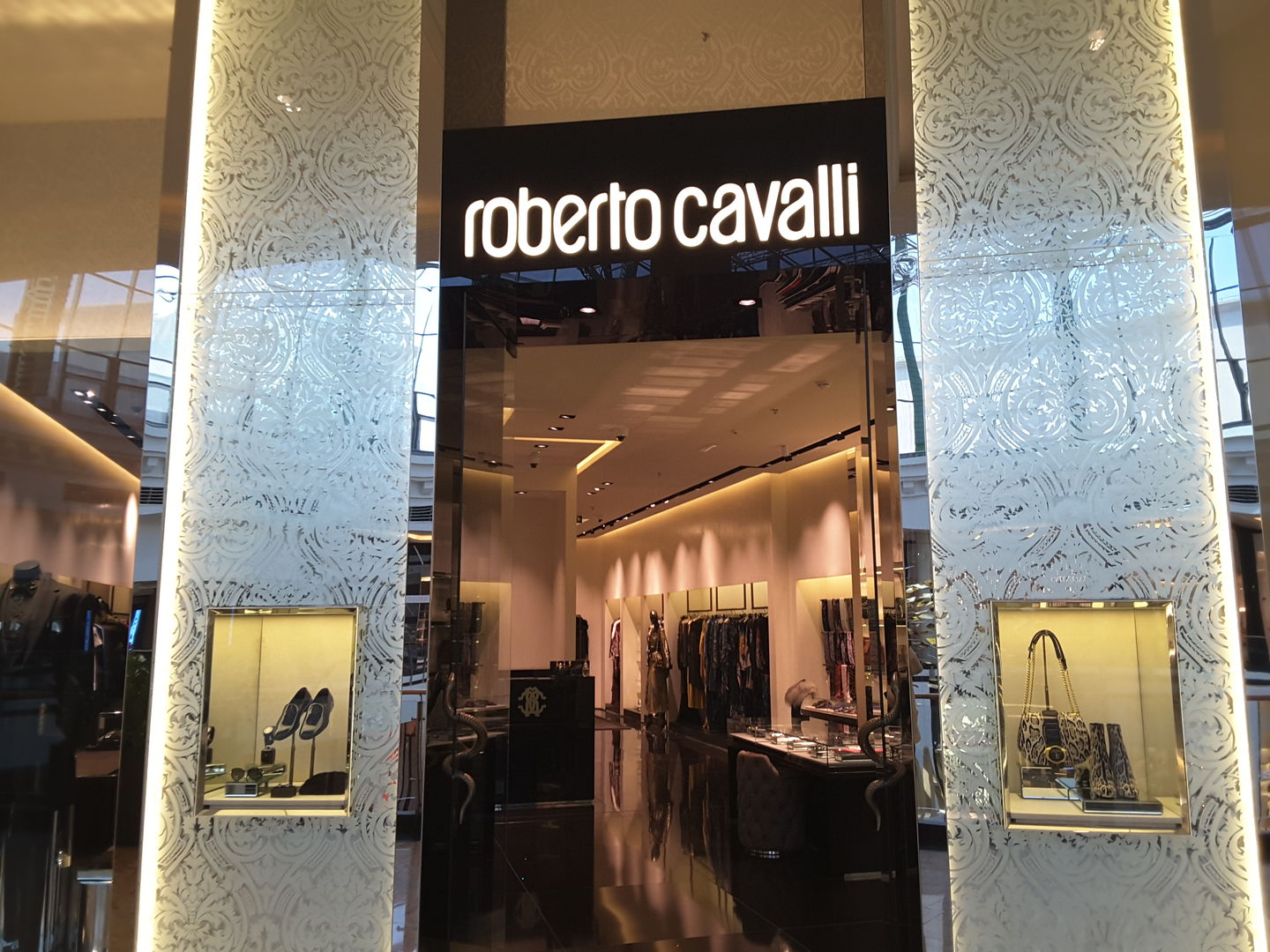 HiDubai-business-roberto-cavalli-shopping-apparel-al-barsha-1-dubai-2