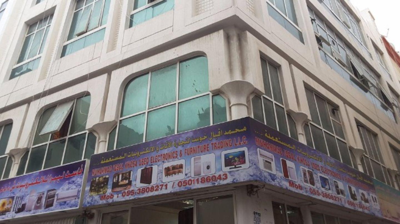 HiDubai-business-muhammad-iqbal-khosa-used-electronics-and-furniture-trading-shopping-consumer-electronics-naif-dubai-2