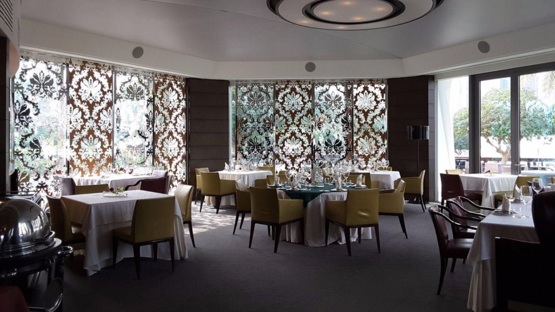 HiDubai-business-le-classique-food-beverage-restaurants-bars-the-greens-al-thanyah-3-dubai-2