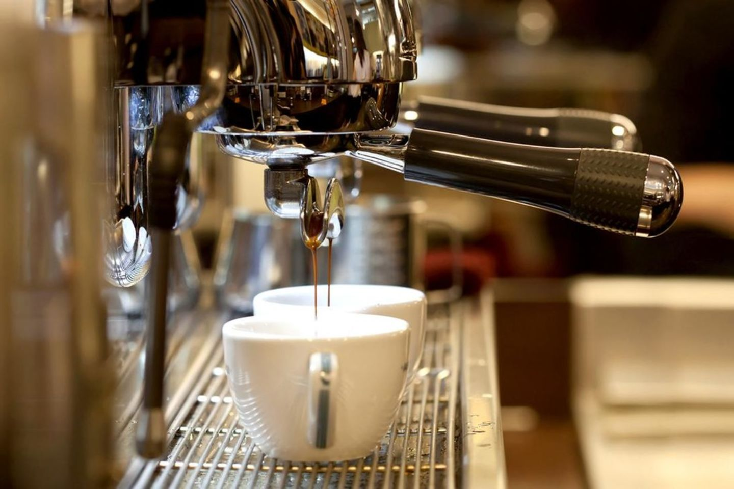 HiDubai-business-air-speciality-coffee-one-person-company-food-beverage-coffee-shops-umm-suqeim-1-dubai