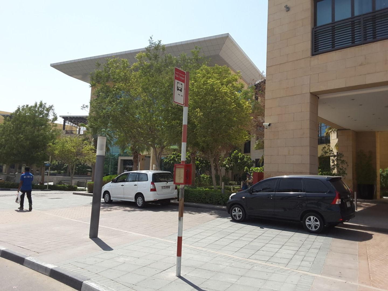 HiDubai-business-mirdif-city-centre-bus-stop-transport-vehicle-services-public-transport-mirdif-dubai-2