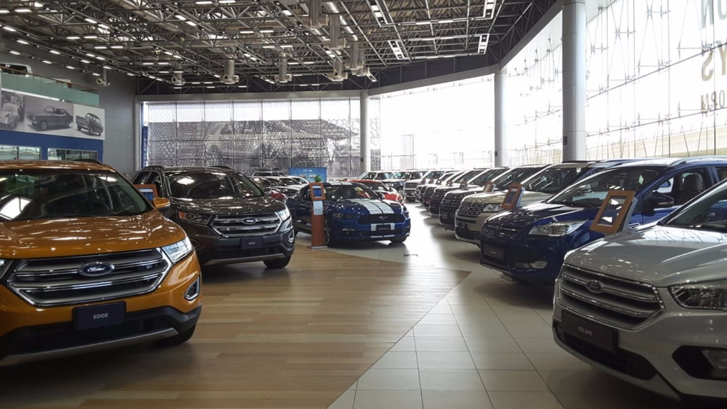 Walif-business-al-tayer-motors-ford-showroom
