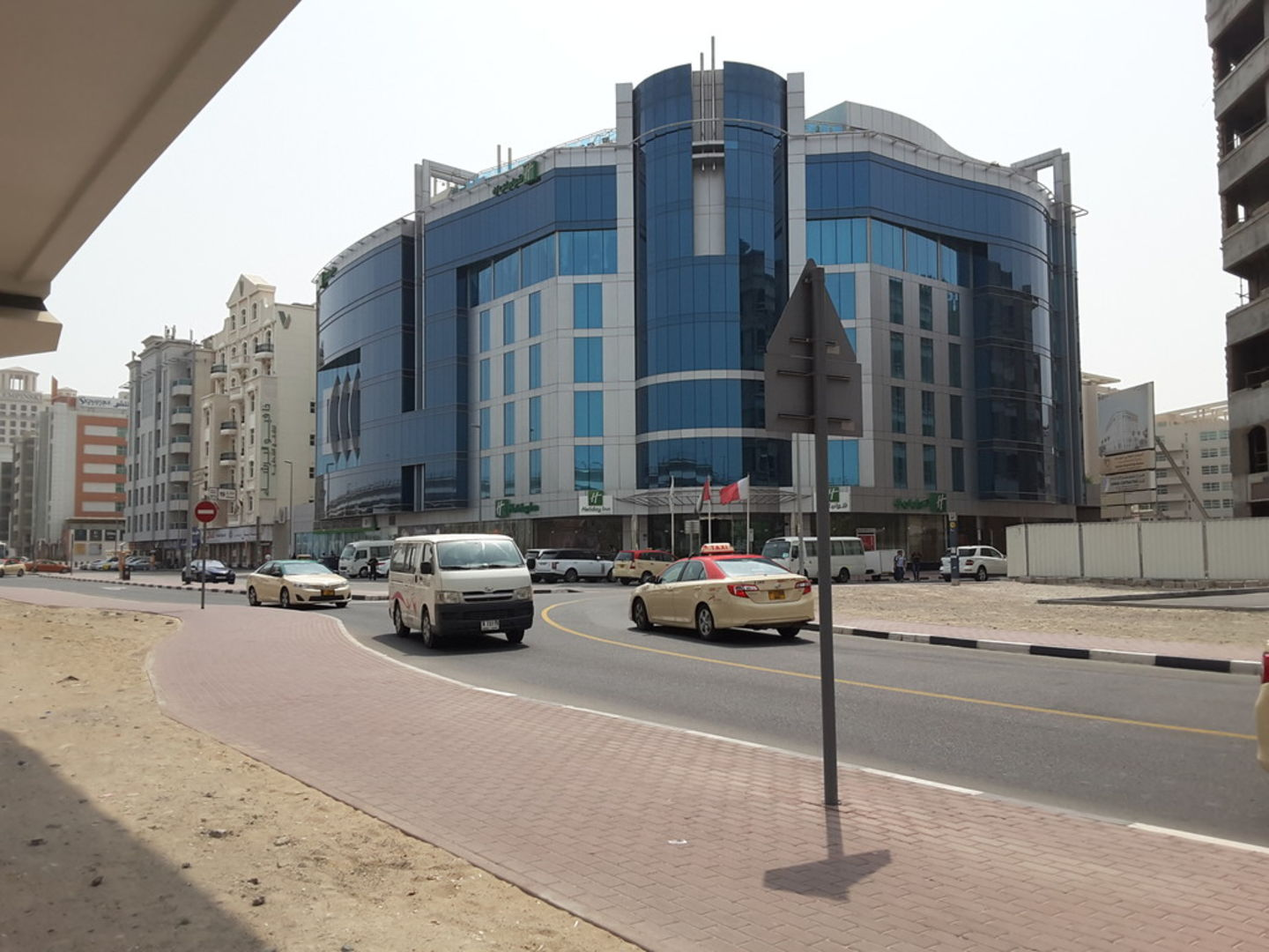 HiDubai-business-holiday-inn-hotels-tourism-hotels-resorts-al-barsha-1-dubai-2
