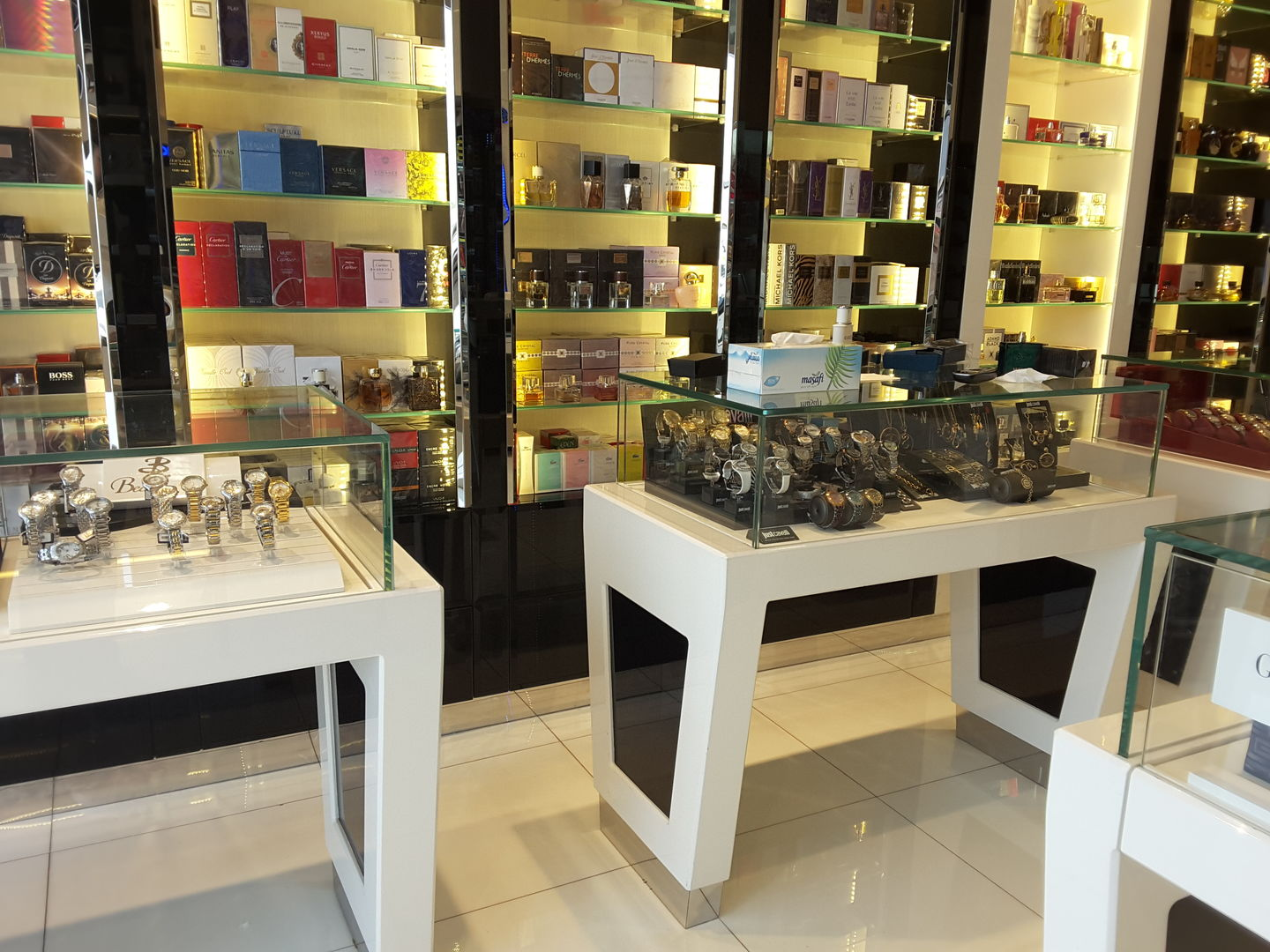 HiDubai-business-karji-shopping-beauty-cosmetics-stores-al-wasl-dubai-2