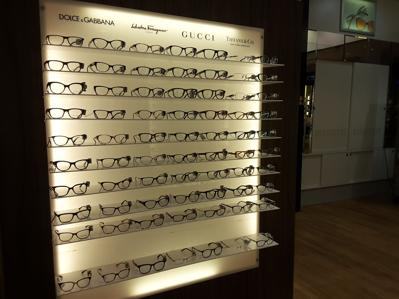 HiDubai-business-yateem-optician-shopping-watches-eyewear-jumeirah-1-dubai-5