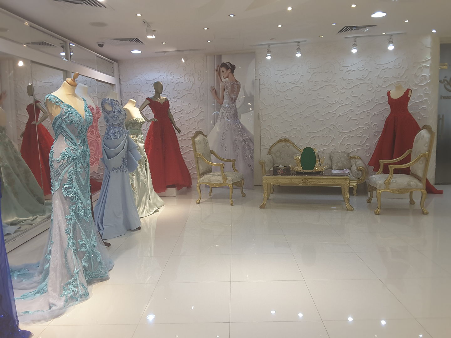 HiDubai-business-bella-couture-shopping-apparel-al-satwa-dubai-2