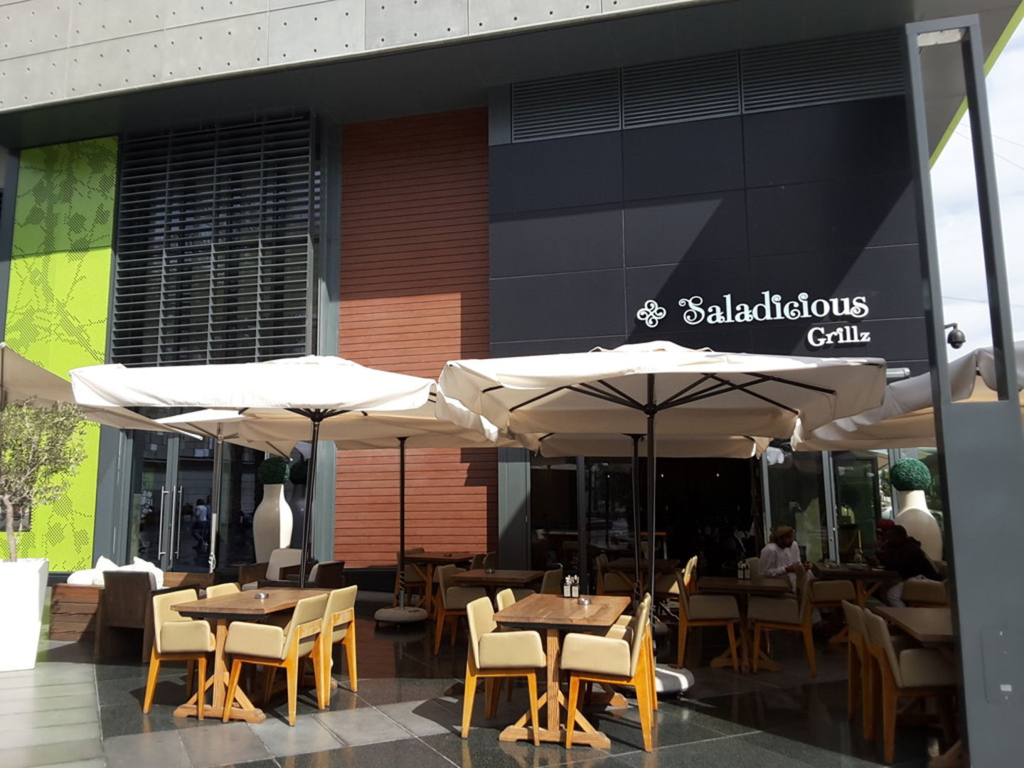 HiDubai-business-saladicious-grillz-food-beverage-restaurants-bars-al-wasl-dubai-2